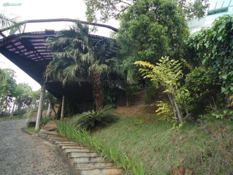 Casa-Codigo-10076-a-Venda-no-bairro-Parque-Guadalajara-na-cidade-de-Juiz-de-Fora