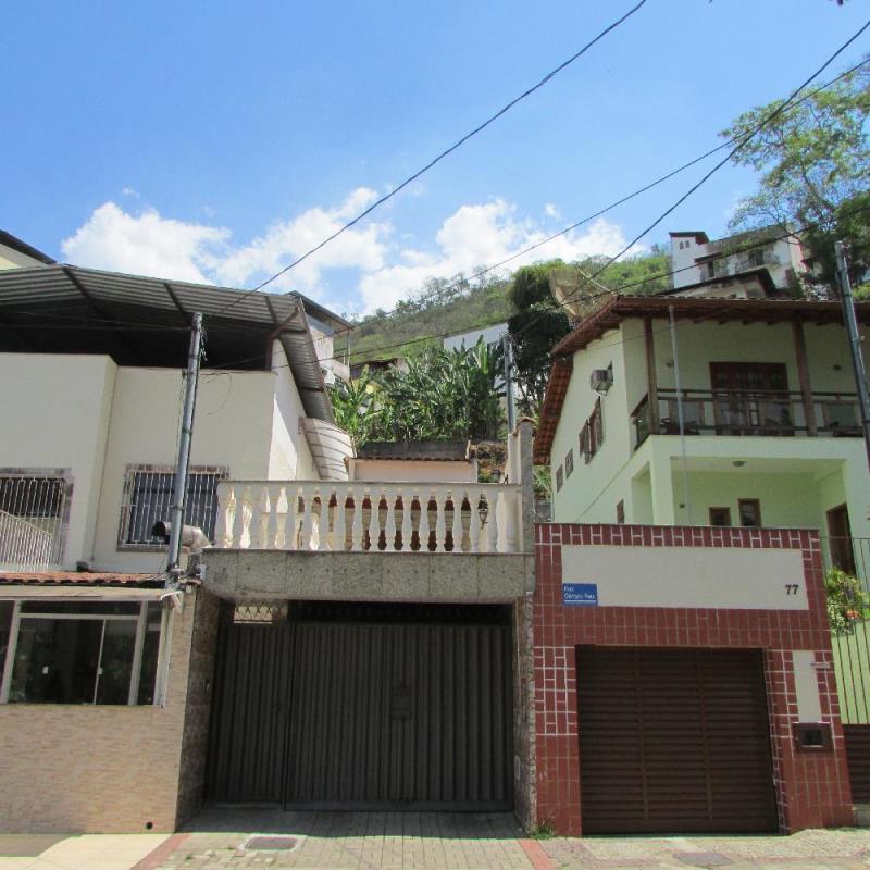 Casa-Codigo-10099-a-Venda-no-bairro-Santa-Helena-na-cidade-de-Juiz-de-Fora