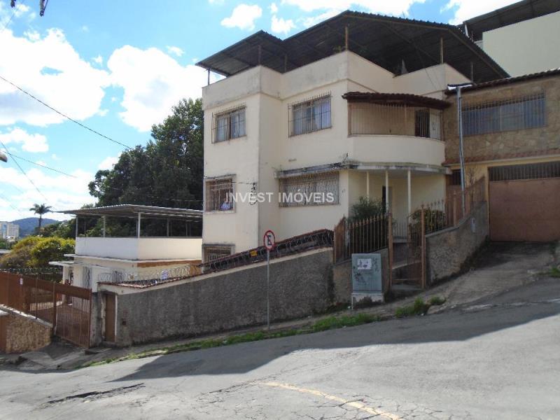 Casa-Codigo-10718-a-Venda-no-bairro-Santos-Anjos-na-cidade-de-Juiz-de-Fora