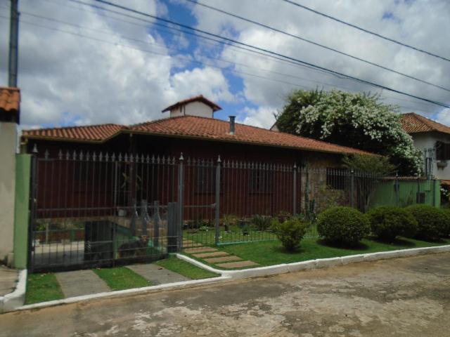 Casa-Codigo-11812-a-Venda-no-bairro-Chales-do-Imperador-na-cidade-de-Juiz-de-Fora