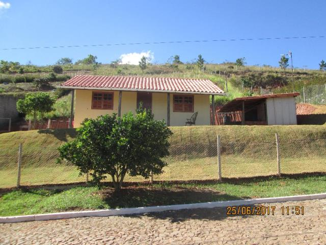 Casa-Codigo-12765-a-Venda-no-bairro-Santa-Cruz-na-cidade-de-Juiz-de-Fora