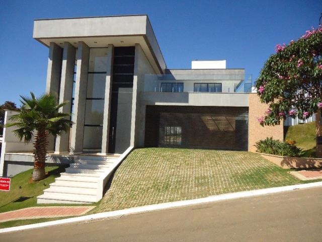 Casa-Codigo-12953-a-Venda-no-bairro-Spina-Ville-III-na-cidade-de-Juiz-de-Fora