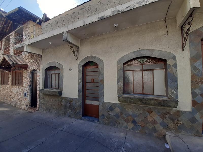 Casa-Codigo-13033-para-alugar-no-bairro-Manoel-Honório-na-cidade-de-Juiz-de-Fora