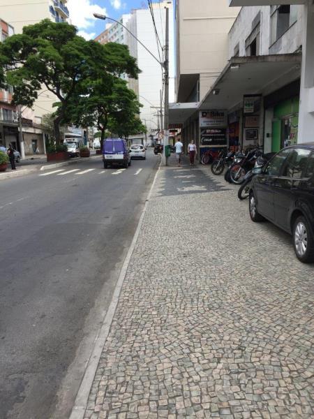 Loja-Codigo-13061-para-alugar-no-bairro-Centro-na-cidade-de-Juiz-de-Fora