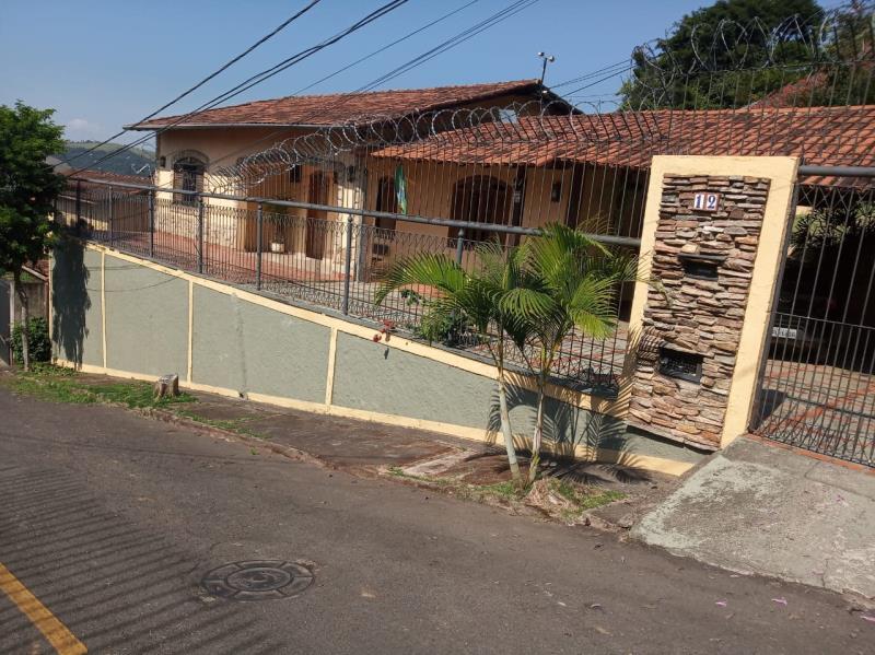 Casa-Codigo-13731-a-Venda-no-bairro-Parque-Guarua-na-cidade-de-Juiz-de-Fora
