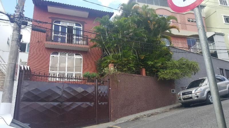 Casa-Codigo-13831-a-Venda-no-bairro-São-Mateus-na-cidade-de-Juiz-de-Fora