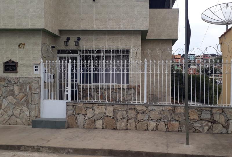 Casa-Codigo-15886-para-alugar-no-bairro-Grajaú-na-cidade-de-Juiz-de-Fora