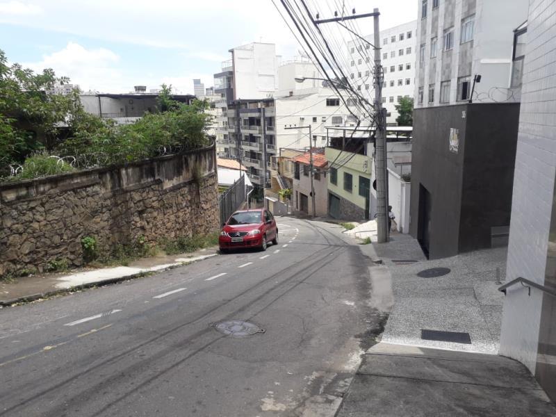 Casa-Codigo-17389-a-Venda-no-bairro-São-Mateus-na-cidade-de-Juiz-de-Fora