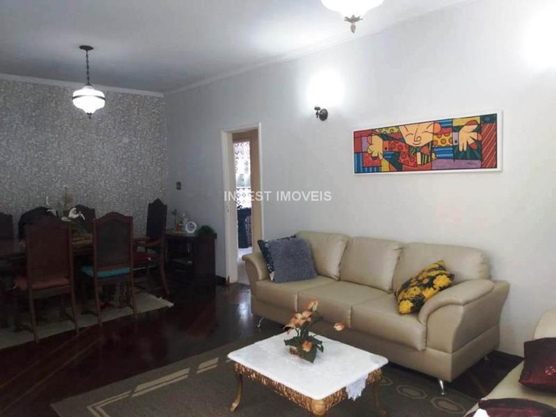 Casa-Codigo-17879-a-Venda-no-bairro-Santa-Catarina-na-cidade-de-Juiz-de-Fora