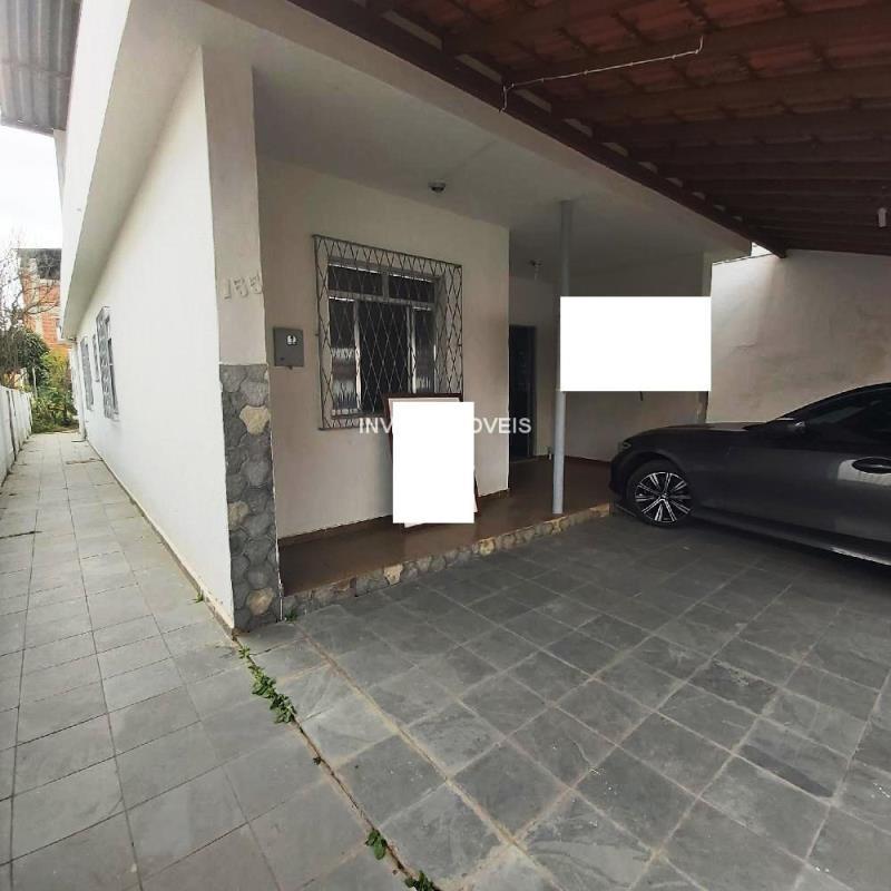 Casa-Codigo-17892-a-Venda-no-bairro-São-Pedro-na-cidade-de-Juiz-de-Fora