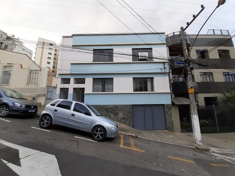 Casa-Codigo-3542-para-alugar-no-bairro-Centro-na-cidade-de-Juiz-de-Fora