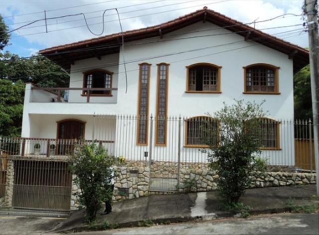 Casa-Codigo-3608-a-Venda-no-bairro-Paineiras-na-cidade-de-Juiz-de-Fora