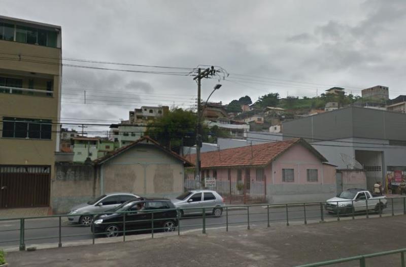 Casa-Codigo-3635-para-alugar-no-bairro-Santa-Luzia-na-cidade-de-Juiz-de-Fora