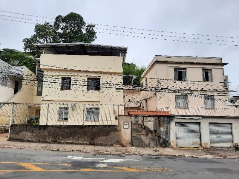 Casa-Codigo-4132-para-alugar-no-bairro-Grajaú-na-cidade-de-Juiz-de-Fora