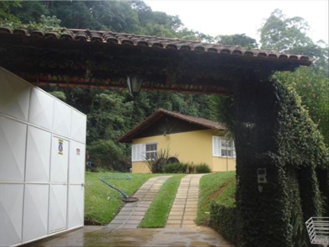 Casa-Codigo-5277-a-Venda-no-bairro-São-Pedro-na-cidade-de-Juiz-de-Fora