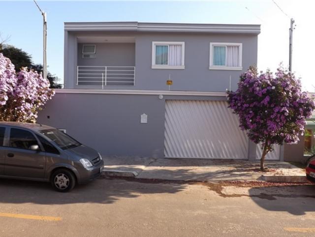 Casa-Codigo-5633-a-Venda-no-bairro-São-Pedro-na-cidade-de-Juiz-de-Fora