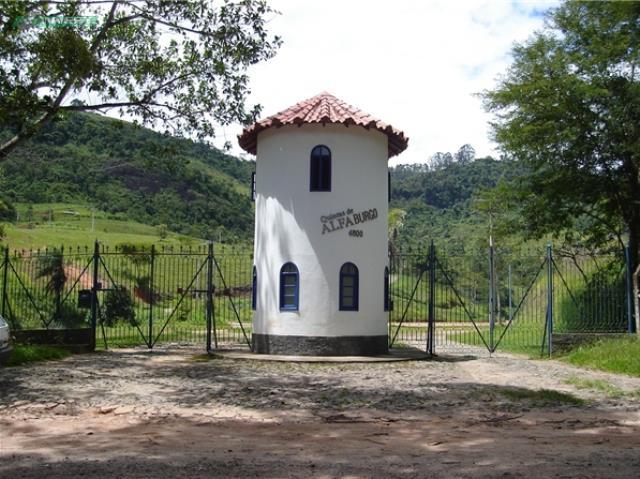 Casa-Codigo-5747-a-Venda-no-bairro-Salvaterra-na-cidade-de-Juiz-de-Fora