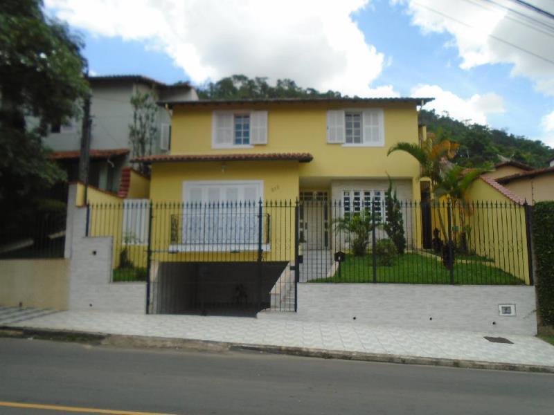 Casa-Codigo-8459-a-Venda-no-bairro-Vale-do-Ipê-na-cidade-de-Juiz-de-Fora