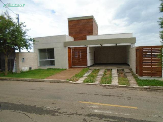 Casa-Codigo-9042-a-Venda-no-bairro-São-Lucas-na-cidade-de-Juiz-de-Fora