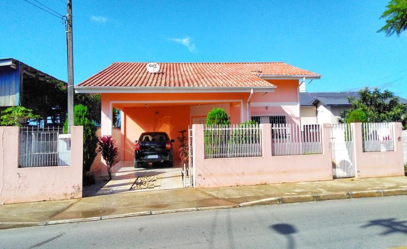 Casa Codigo 3998a Venda no bairro São Sebastião na cidade de Palhoça