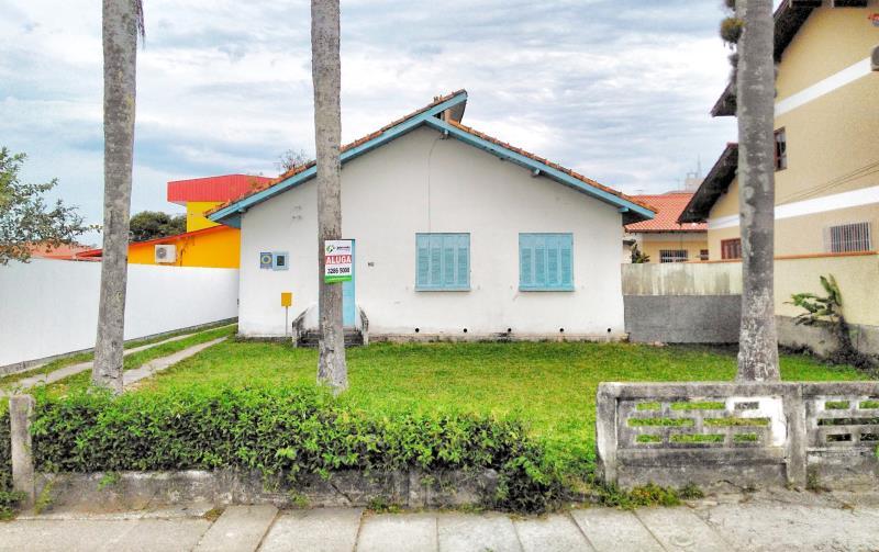 Casa-Codigo-4137-a-Venda-no-bairro-Centro-na-cidade-de-Palhoça