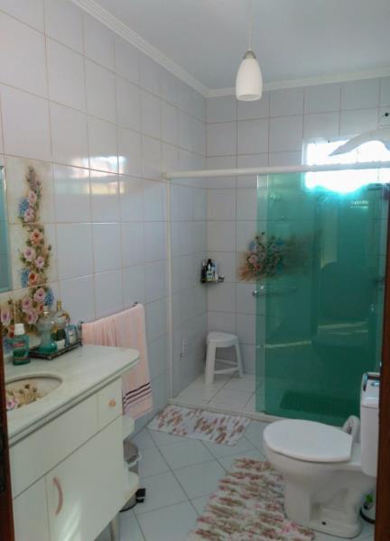 18. Banheiro Suite