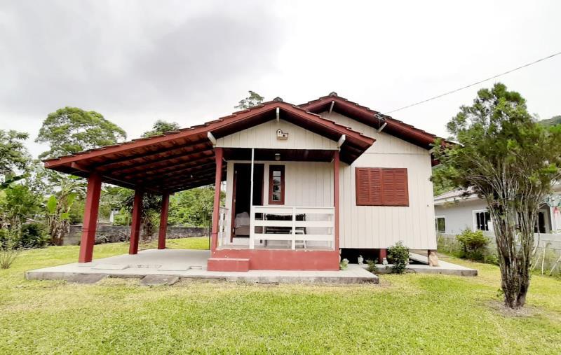 Casa-Codigo-4383-a-Venda-no-bairro-Bela-Vista-na-cidade-de-Palhoça