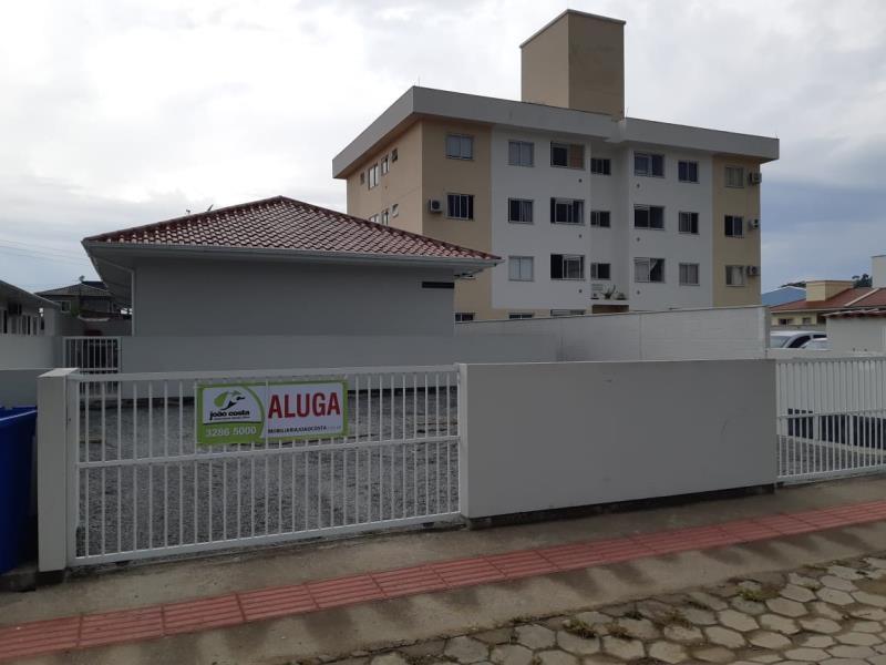 Casa-Codigo-4446-a-Venda-no-bairro-Guarda-do-Cubatão-na-cidade-de-Palhoça