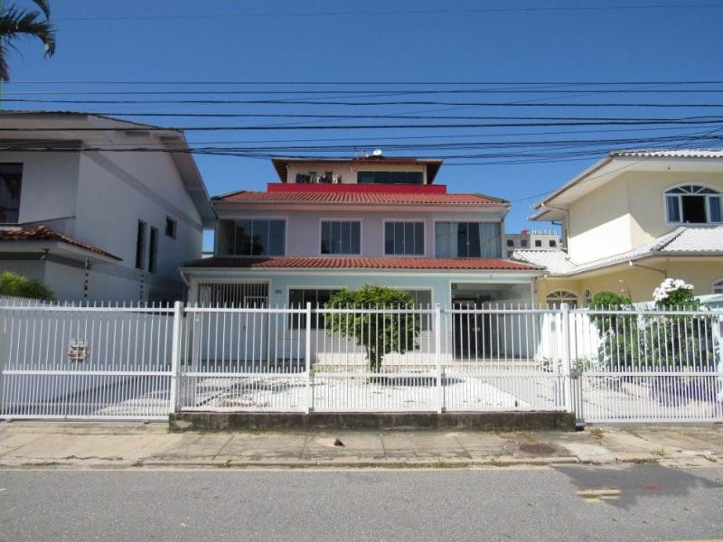 Casa Codigo 4449 a Venda no bairro Kobrasol na cidade de São José Condominio