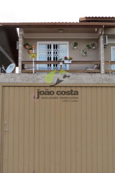 Sobrado Codigo 4586a Venda no bairro Aririu na cidade de Palhoça
