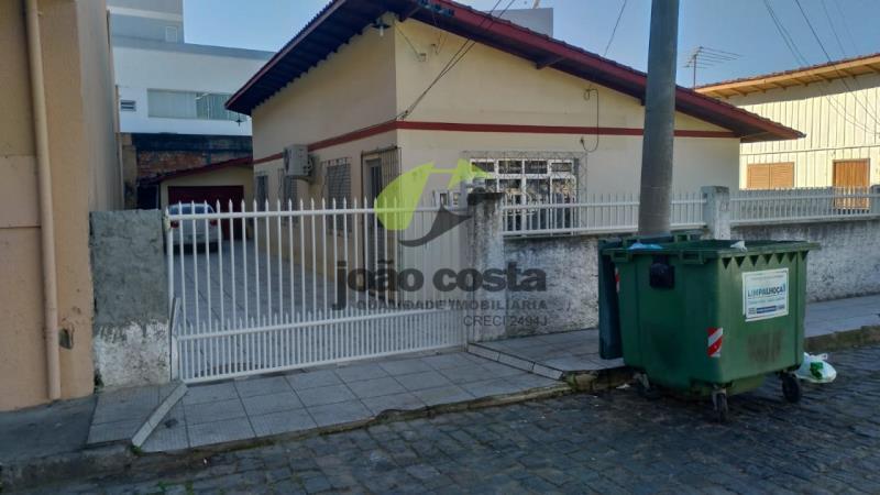 Casa Codigo 4601 a Venda no bairro Centro na cidade de Palhoça Condominio