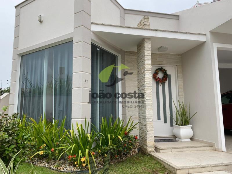 Casa Codigo 4618a Venda no bairro Centro na cidade de Palhoça