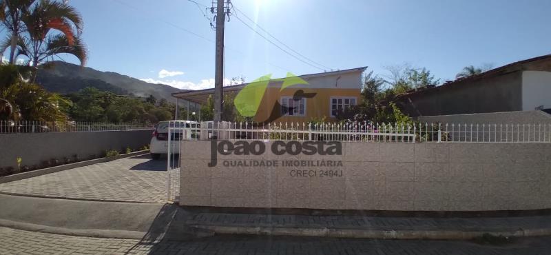 Casa-Codigo-4660-a-Venda-no-bairro-Alto-Aririu-na-cidade-de-Palhoça