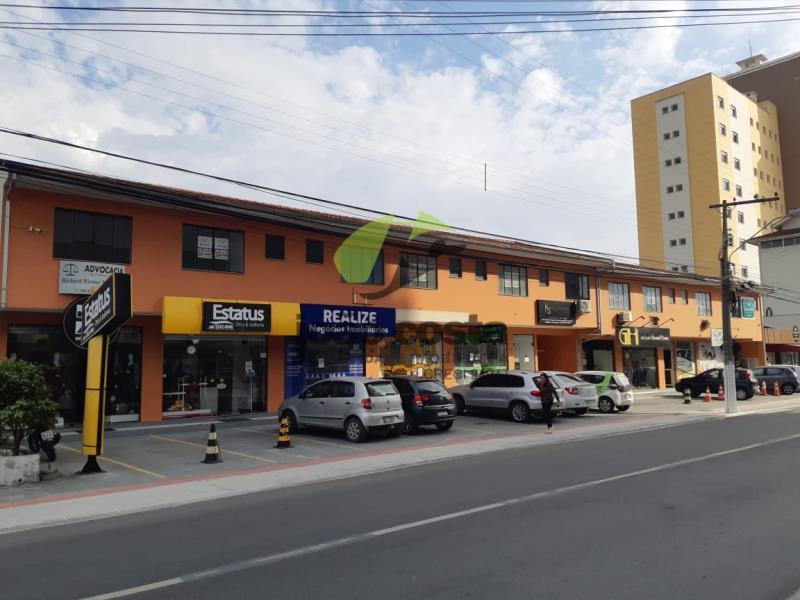Sala Codigo 176 para alugar no bairro Centro na cidade de Palhoça Condominio b - tramontin