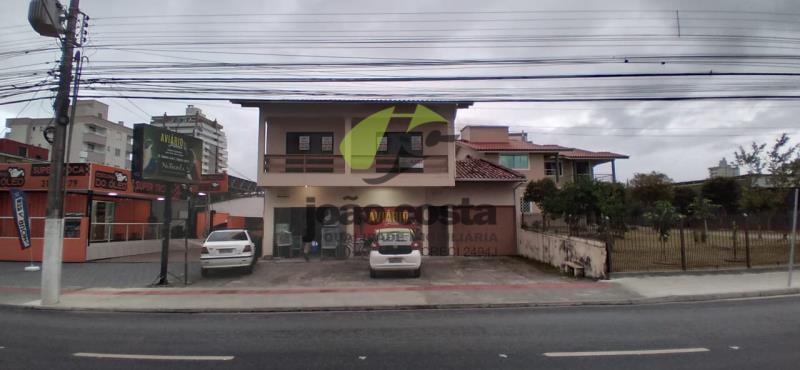 Casa-Codigo-4679-a-Venda-no-bairro-Centro-na-cidade-de-Palhoça