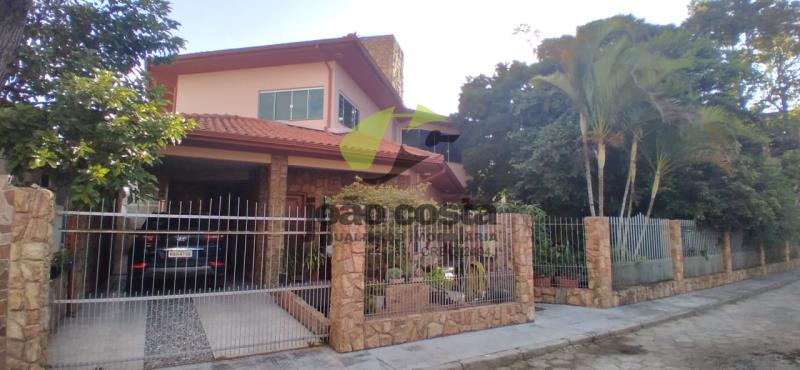 Casa-Codigo-4691-a-Venda-no-bairro-Ponte-do-Imaruim-na-cidade-de-Palhoça