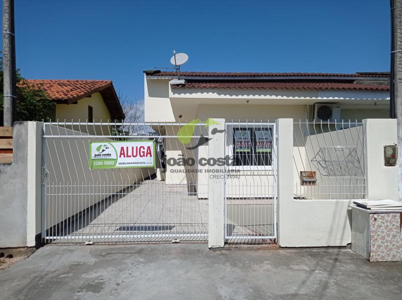 Casa Codigo 4708 para alugar no bairro Barra do Aririú na cidade de Palhoça Condominio residencial portal da barra
