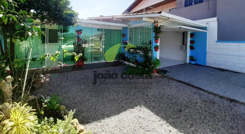 Casa Codigo 4752 a Venda no bairro Praia de Fora na cidade de Palhoça Condominio