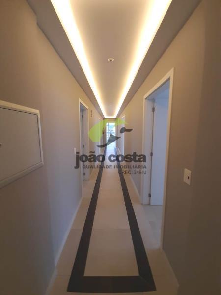 6. Corredor de acesso às salas