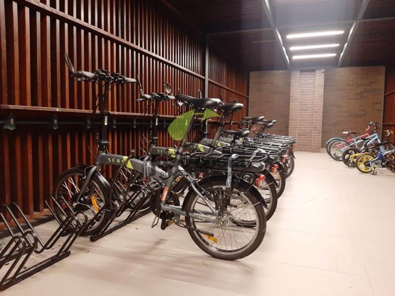 42. bicicletário
