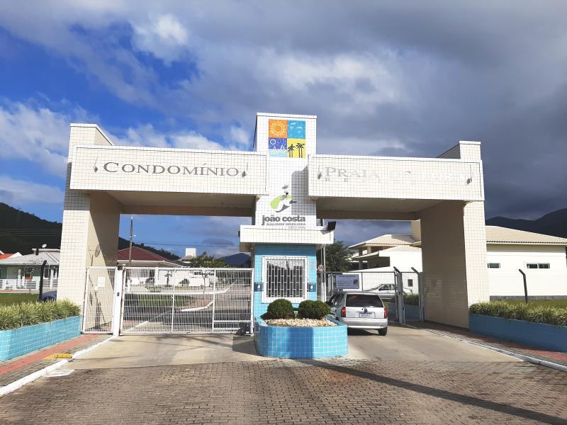 Casa-Codigo-4760-a-Venda-no-bairro-Praia-de-Fora-na-cidade-de-Palhoça