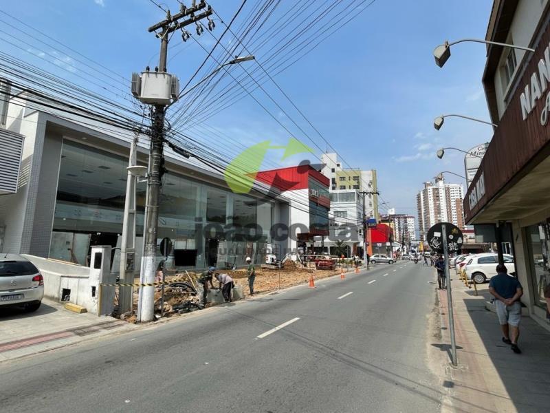 4. Visão lateral avenida