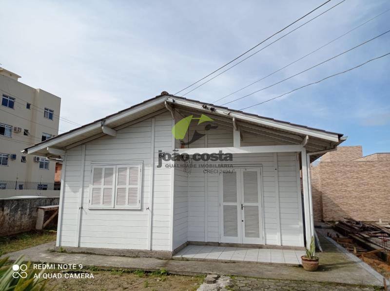Casa Codigo 4869 para alugar no bairro Centro na cidade de Palhoça Condominio