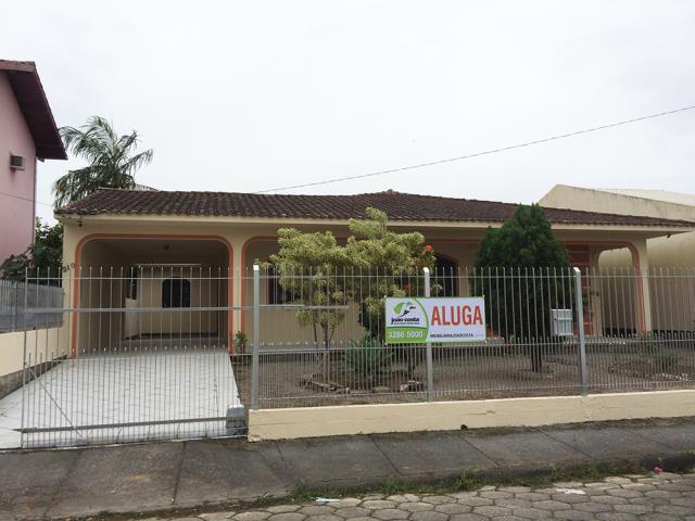 Casa-Codigo-462-a-Venda-no-bairro-Centro-na-cidade-de-Palhoça