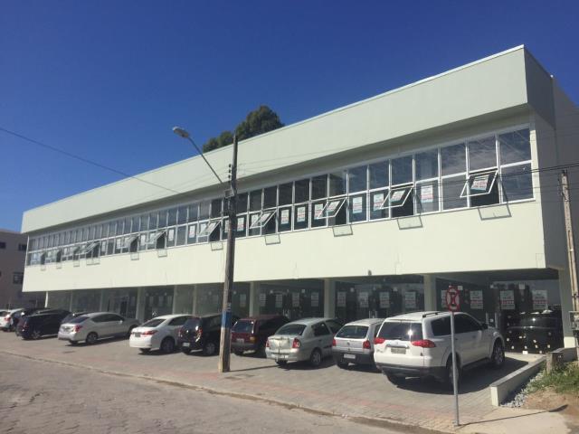 Sala Codigo 3212a Venda no bairro Centro na cidade de Palhoça