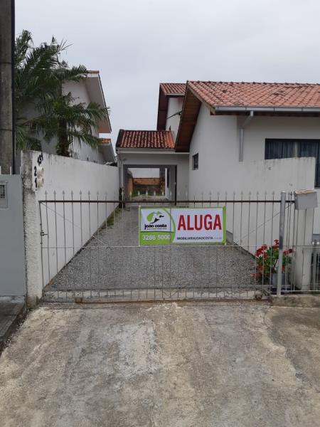 Casa-Codigo-3352-a-Venda-no-bairro-Aririu-na-cidade-de-Palhoça