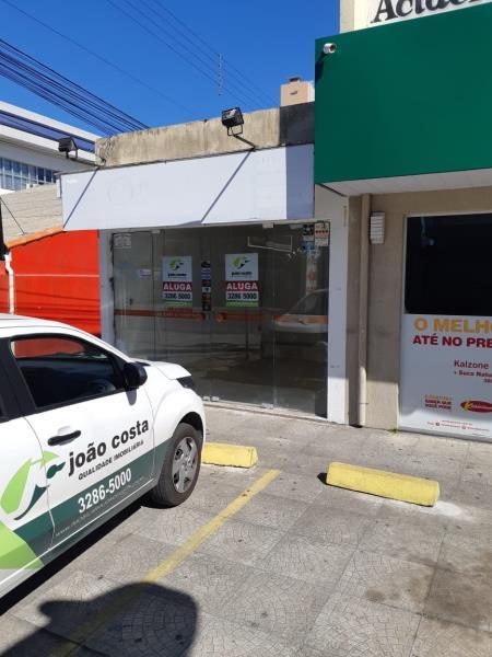 Loja Codigo 984 para alugar no bairro Centro na cidade de Palhoça Condominio roger - 315