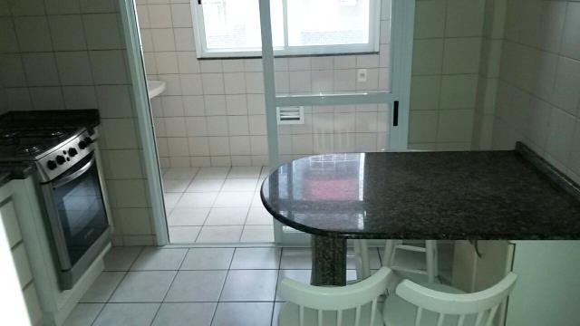 5. Cozinha / Área de Serviços