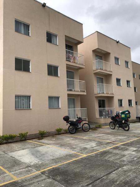 EXCELENTE apartamento de 03 dormitórios em Colombo.  * RESIDENCIAL PAULO SOARES;  * 3 Dormitórios;  * BWC Social;  * PISO em ceramica;  * Sala;  * Cozinha;  * 01 VAGA de garagem descoberta;    ENTRE EM CONTATO CONOSCO, SAIBA MAIS E AGENDE SUA VISITA - 3090-9600  CRECI - 5061 J