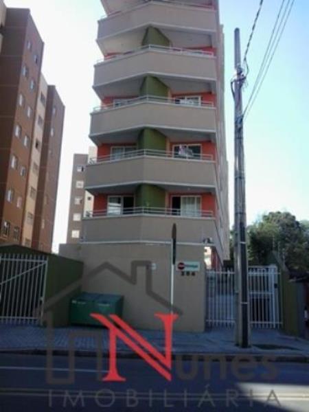 Excelente apartamento de 01 dormitório no bairro Alto da Glória em Curitiba;  * Apartamento Térreo com toda segurança e conforto, grade nas janelas;  * 01 DORMITÓRIO com cama box nova com colchão novo; armário embutido, painel com nicho e espelho, janela com blackout e cortina com varão de metal, cabeceira com criado mudo, luminária;  * SALA painel para HOME THEATER com tampo em granito, janela com grades e persianas, luminária, piso laminado;  * COZINHA com armários planejados, pia com tampo em inox, Cook top, microondas, galadeira, bancada de mármore;  * BWC SOCIAL; com box de vidro temperado, acessórios de banheiro, chuveiro e luminária;  * EXCELENTE localização, próximo a diversos comércios diversas linhas de ônibus;  * LOCAÇÃO DE VAGA de garagem no condomínio;  O CONDOMÍNIO OFERECE:  * Portaria 24hs; * Acadêmia; * Lavanderia; * Salão de festas; * Interfone;   ENTRE EM CONTATO CONOSCO E AGENDE UMA VISITA NO 3090-9600  CRECI - 5061J